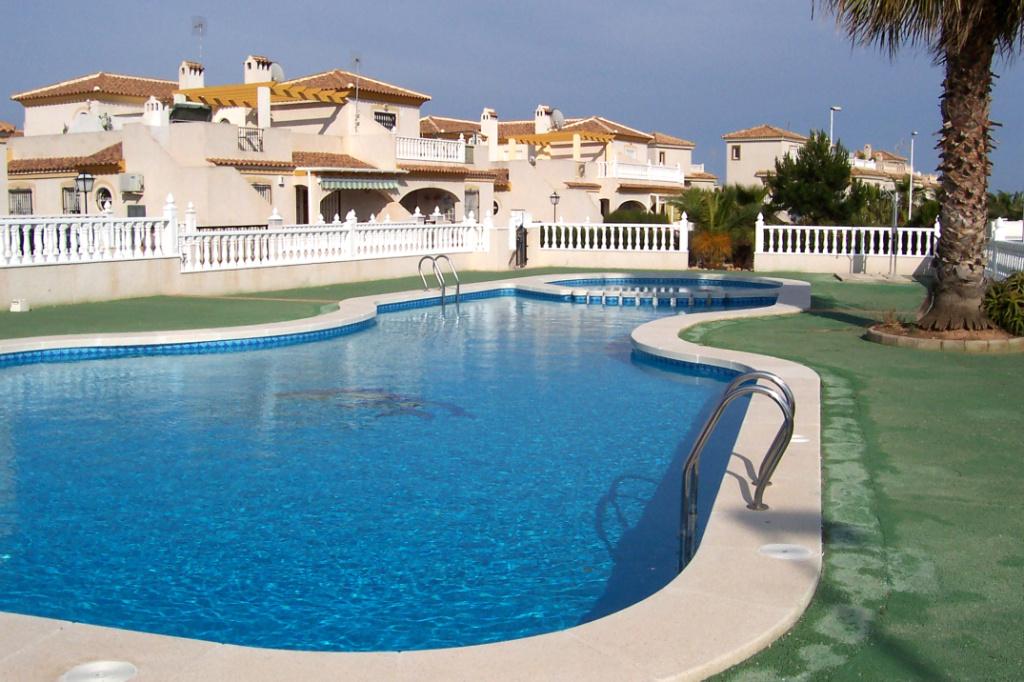 Ferienhaus, Blick Zum Pool, 2 Schlafzimmer, 1 Bad, Ruhige Lage Zwischen  Villamartin Und La Zenia